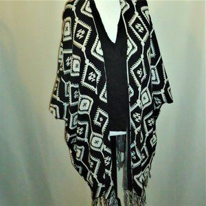 H&M Divided Cotton Poncho with Aztec Pattern XS